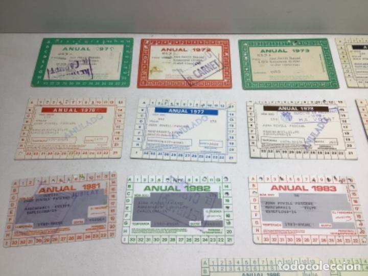 Coleccionismo deportivo: LOTE CARNETS DE SOCIO F.C. BARCELONA - ANUAL - DESDE AÑO 1971 HASTA 1987 - SON 17 CARNETS - Foto 20 - 243867345
