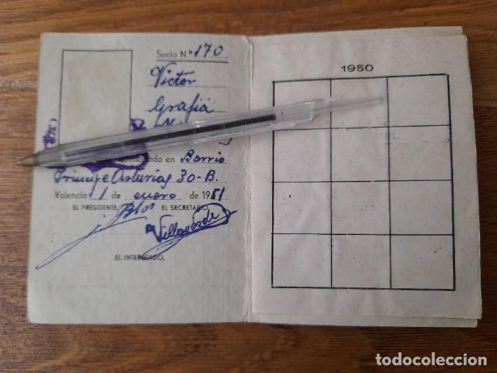 Coleccionismo deportivo: Carnet de la Peña ciclista excursionista de Valencia 1951 con viñetas deportes ciclismo - Foto 2 - 245307140