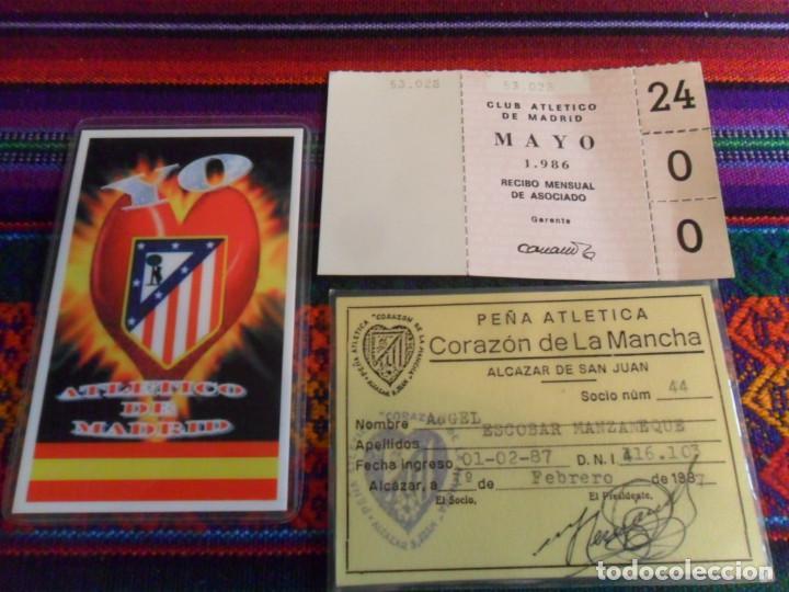 CARNET SOCIO PEÑA ATLÉTICA CORAZÓN DE LA MANCHA 1987 ATLÉTICO MADRID, RECIBO MENSUAL 1986 Y REGALO. (Coleccionismo Deportivo - Documentos de Deportes - Carnet de Socios)