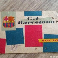 Coleccionismo deportivo: CARNET SOCIO FC BARCELONA 1960. FÚTBOL. DEPORTE. BARÇA.RCD ESPANYOL.RFEF.R MADRID. AT MADRID. Lote 255348025