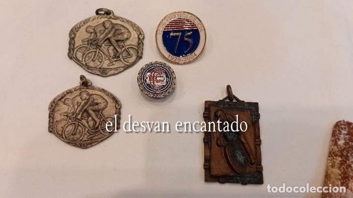 Coleccionismo deportivo: CLUB CICLISTA GRACIA. Barcelona. Interesante lote fotos-carnets-insignia-medallas... Años 30 a 80 - Foto 29 - 274237118