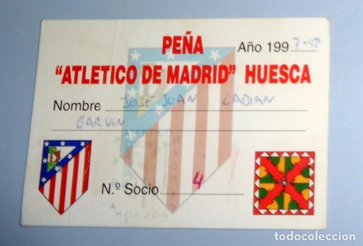 CARNET DE SOCIO ANTIGUO - FÚTBOL AÑO 1997-1998 97/98 - PEÑA ATLÉTICO DE MADRID DE HUESCA (Coleccionismo Deportivo - Documentos de Deportes - Carnet de Socios)
