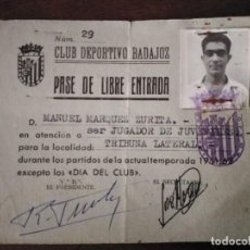 Coleccionismo deportivo: CLUB DEPORTIVO BADAJOZ. PASE DE LIBRE ENTRADA JUGADOR. TEMPORADA 1961/62.. Lote 291470888