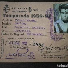 Coleccionismo deportivo: CLUB DEPORTIVO BADAJOZ. LICENCIA DE JUGADOR. TEMPORADA 1957/57.. Lote 291888733