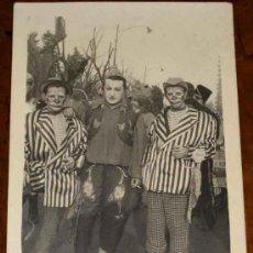 Carteles Espectáculos: ANTIGUA FOTO POSTAL DE PAYASOS DE CIRCO - FOTO DE CASO - MADRID - NO CIRCULADA - 1957.. Lote 11097894