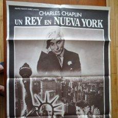Carteles Espectáculos: CINE, CHARLES CHAPLÍN, UN REY EN NEW YORK, 100 X 70 CM APROX. Lote 116356251