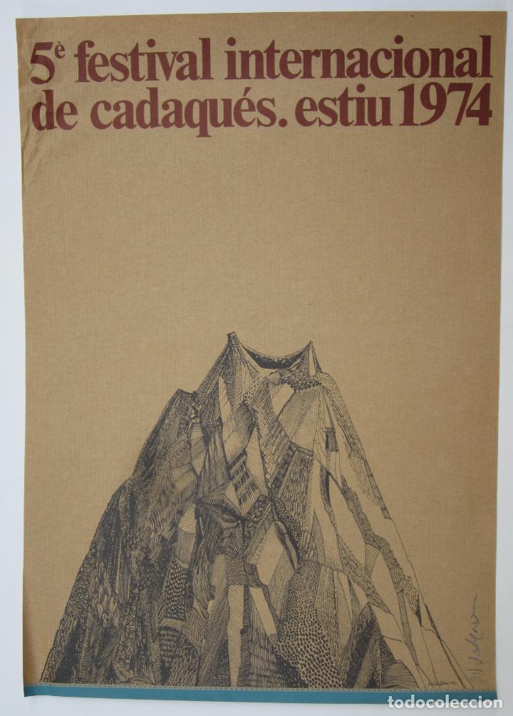 CARTEL 5È FESTIVAL INTERNACIONAL DE CADAQUÉS: ESTIU 1974, FIRMADO POR EL ARTISTA, 67,5X47,5CM (Coleccionismo - Carteles Gran Formato - Carteles Circo, Magia y Espectáculos)