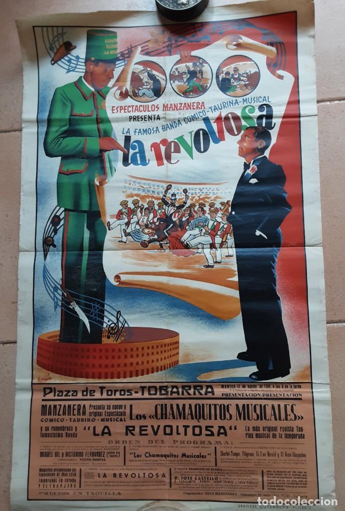 CARTEL DE LA FAMOSA BANDA CÓMICO TAURINA MUSICAL LA REVOLTOSA, PLAZA DE TOROS DE TOBARRA, 1958 (Coleccionismo - Carteles Gran Formato - Carteles Circo, Magia y Espectáculos)