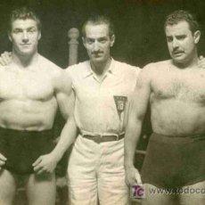 Coleccionismo deportivo: FOTOGRAFIA DE LUCHA LIBRE DE LA PELEA KARTER CONTRA BONADA. Lote 4767110