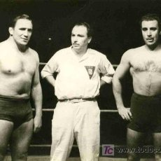 Coleccionismo deportivo: FOTOGRAFIA DE LUCHA LIBRE DE LA PELEA KARTER CONTRA OCHOA AÑO 1949. Lote 4767120
