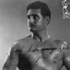 Coleccionismo deportivo: FOTOGRAFIA DEDICADA Y AUTOGRAFIADA DEL CATCHER MONCHO A KARTER AÑO1948. Lote 4768510