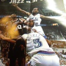 Coleccionismo deportivo: POSTER DE LOS PLAYOFFS DE LA NBA 1998 ENTRE LOS JAZZ Y LOS SPURS (REVISTA OFICIAL DE LA NBA) 80X50 . Lote 26331621