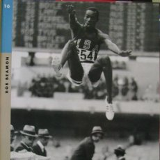 Coleccionismo deportivo: BOB BEAMON (FOTOS OLÍMPICAS, LA VANGUARDIA, 1992). Lote 18221807