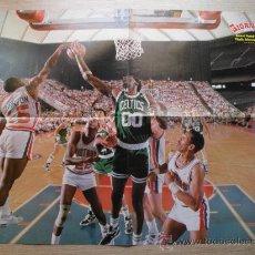 Coleccionismo deportivo: POSTER: ROBERT PARISH (CELTICS) Y VINNIE JOHNSON (PISTONS) NBA BASKET GIGANTES. Lote 21818006