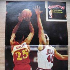 Coleccionismo deportivo: POSTER: DOC RIVERS (ATLANTA HAWKS) Y CORZINE (CHICAGO BULLS) - NBA BASKET REVISTA GIGANTES. Lote 21819783