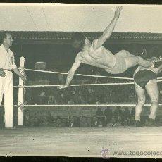 Coleccionismo deportivo: FOTOGRAFIA DE LUCHA LIBRE. . Lote 24776609