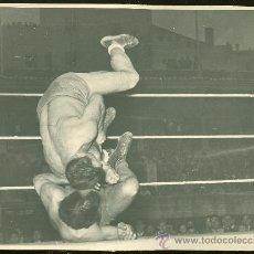 Coleccionismo deportivo: FOTOGRAFIA DE LUCHA LIBRE. . Lote 24892809