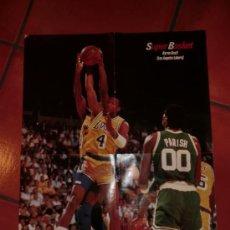 Coleccionismo deportivo: POSTER ESPECIAL NBA BYRON SCOTT DE LOS ANGELES LAKERS AÑOS 90. MARCA DE CHINCHETA EN ESQUINAS.. Lote 30250086