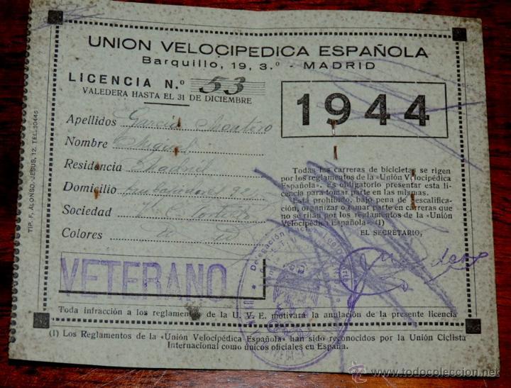 Coleccionismo deportivo: CARNET DE LA UNION VELOCIPEDICA ESPAÑOLA (CICLISMO), AÑO 1944, MADRID, MIDE ABIERTO 14 X 11 CMS. - Foto 2 - 52944829