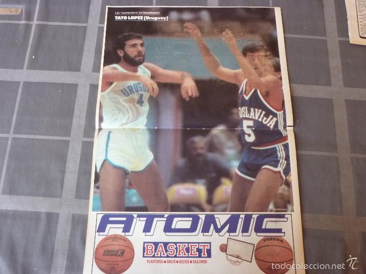LOS SUPERPOSTERS MUNDOBASKET-1985-TATO LOPEZ(URUGUAY)(47 X 31 CM) (Coleccionismo Deportivo - Carteles otros Deportes)