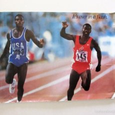 Coleccionismo deportivo: CARL LEWIS Y BEN JOHNSON, IT'S OVER IN A FLASH. POSTER ORIGINAL DE LA ÉPOCA. 72 X 50. Lote 58154139