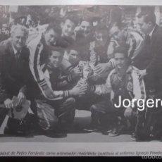 Coleccionismo deportivo: R. MADRID BALONCESTO. EL DEBUT DE PEDRO FERRÁNDIZ. RECORTE. Lote 58896936