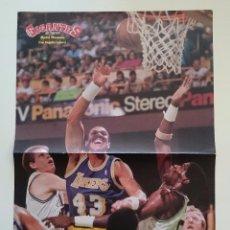 Coleccionismo deportivo: POSTER NBA REVISTA GIGANTES DEL BALONCESTO LOS ANGELES LAKERS BOSTON CELTICS. Lote 91581995