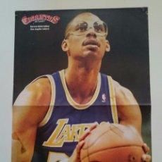 Coleccionismo deportivo: POSTER NBA REVISTA GIGANTES DEL BALONCESTO LOS ANGELES LAKERS KAREEM ABDUL-JABBAR. Lote 91582230