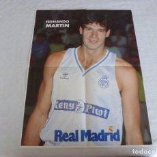 Coleccionismo deportivo: (RM) POSTER (52 X 39) REAL MADRID DE BALONCESTO-FERNANDO MARTÍN. Lote 120820623
