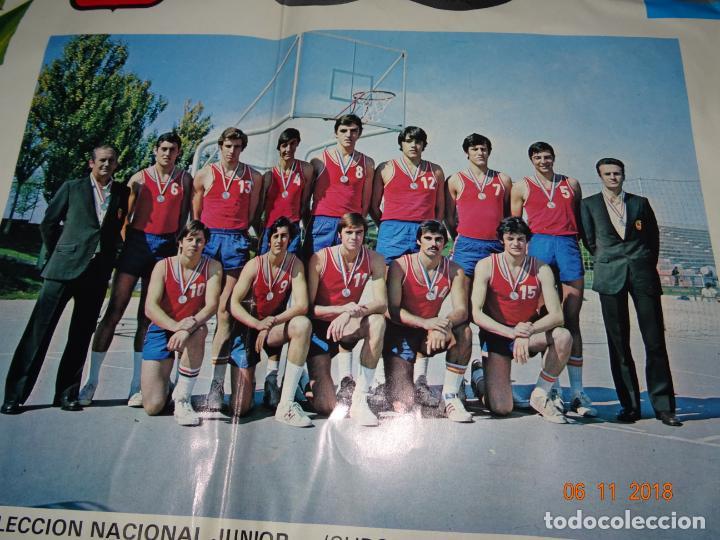 Coleccionismo deportivo: Antiguo Cartel de Selecciones Españolas de Baloncesto del Año 1973-74 Año Plata Baloncesto Español - Foto 3 - 139244554