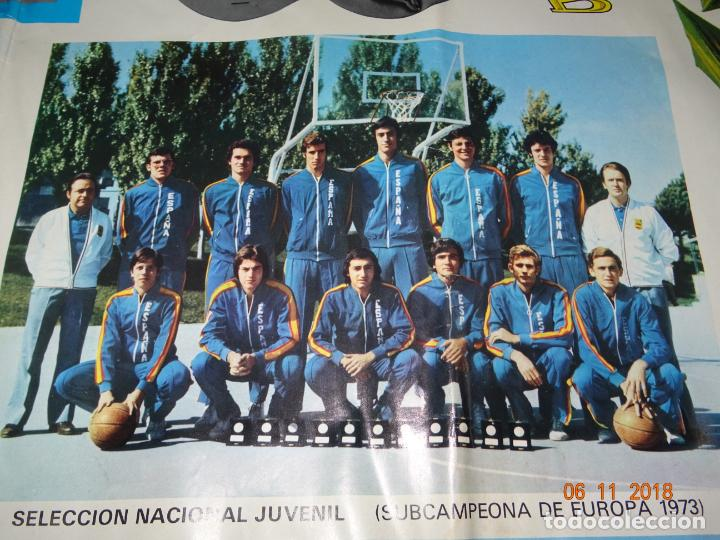 Coleccionismo deportivo: Antiguo Cartel de Selecciones Españolas de Baloncesto del Año 1973-74 Año Plata Baloncesto Español - Foto 4 - 139244554