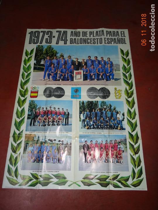Coleccionismo deportivo: Antiguo Cartel de Selecciones Españolas de Baloncesto del Año 1973-74 Año Plata Baloncesto Español - Foto 7 - 139244554