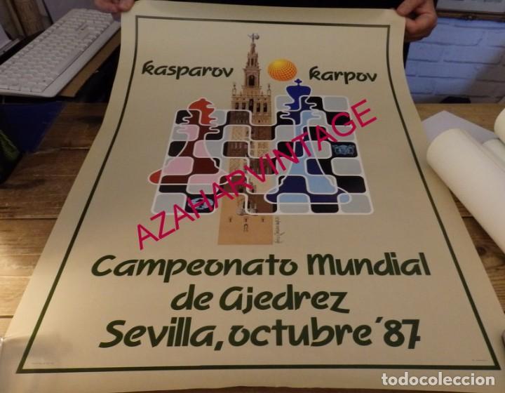 SEVILLA, 1987, CARTEL CAMPEONATO DEL MUNDO DE AJEDREZ,KARPOV-KASPAROV, 50X70 CMS (Coleccionismo Deportivo - Carteles otros Deportes)