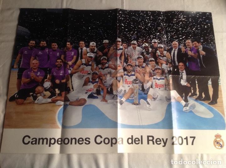 Coleccionismo deportivo: REAL MADRID:TRES CARTELES POSTERS BALONCESTO, CAMPEON COPA REY 2017, LIGA 2015-16, SUPERCOPA 2018-19 - Foto 2 - 153472558