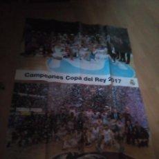 Coleccionismo deportivo: REAL MADRID 2 POSTERS DE CAMPEON COPA 2017 Y LIGA 2017-2018. Lote 158146166