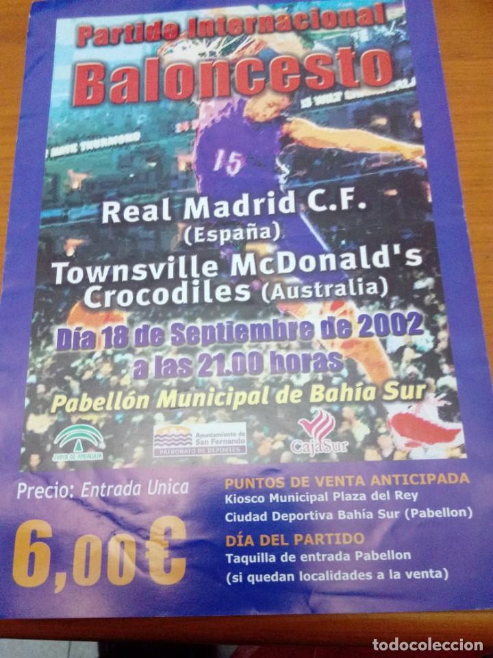 CARTEL. PARTIDO INTERNACIONAL BALONCESTO. REAL MADRID C.F. TOWNSVILLE MCDONALD´S CROCODILES EST24B2 (Coleccionismo Deportivo - Carteles otros Deportes)