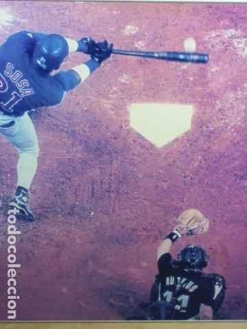 Coleccionismo deportivo: CUADRO SAMMY SOSA BATEANDO BEISBOL Texas Rangers Chicago White Sox MEDIAS BLANCAS CACHORROS CHICAGO - Foto 3 - 163730254