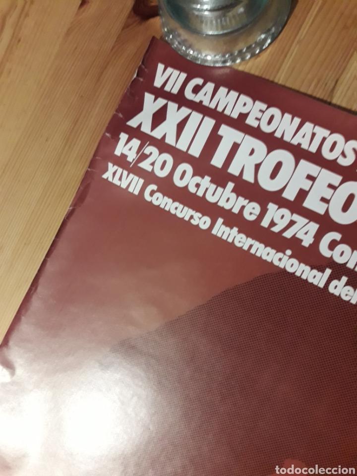 Coleccionismo deportivo: Cartel Trofeo Conde de Godó XXII 1974 Real Club Tenis Barcelona V. ALONSO AYGUADE con sello y tampon - Foto 2 - 176002682