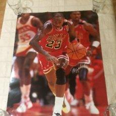 Coleccionismo deportivo: MICHAEL JORDAN - POSTER OFICIAL AÑOS 90 - CHICAGO BULLS - PRODUCTO OFICIAL NBA - MEDIDAS; 88X58 CMS.. Lote 176453718