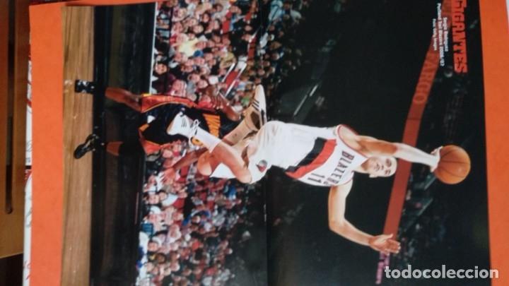 Coleccionismo deportivo: Doble poster Fernando Martin. Portland Trail Blazers 1986. Sergio Rodriguez 2006 - Foto 2 - 177457763