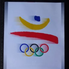 Coleccionismo deportivo: CARTEL LAMINA ORIGINAL DE OLIMPIADAS BARCELONA 92 POSTER 70 CM X 50 CM DISEÑADO POR JOSEP M TRIAS. Lote 279511403