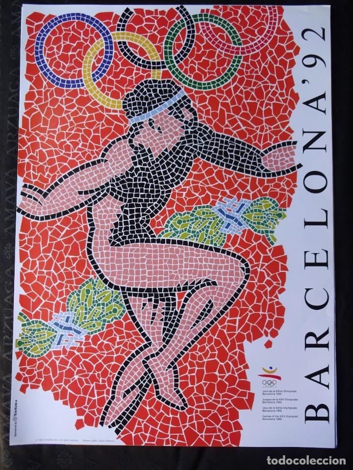 CARTEL LAMINA ORIGINAL DE OLIMPIADAS BARCELONA 92 POSTER 70 CM X 50 CM DISEÑADO POR CARLOS ROLANDO (Coleccionismo Deportivo - Carteles otros Deportes)