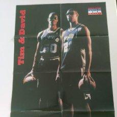 Coleccionismo deportivo: PÓSTER GIGANTE DAVID ROBINSON Y TIM DUNCAN - REVISTA OFICIAL NBA Nº 87. Lote 190095166