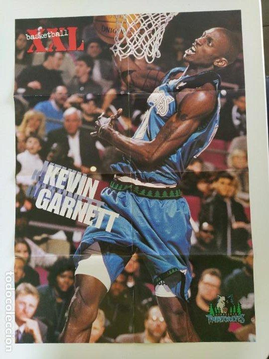 LOTE 13 PÓSTERS GIGANTES NBA AÑOS 90/00 (REVISTA XXL BASKET) - KOBE BRYANT, GARNETT, EWING, CARTER.. (Coleccionismo Deportivo - Carteles otros Deportes)