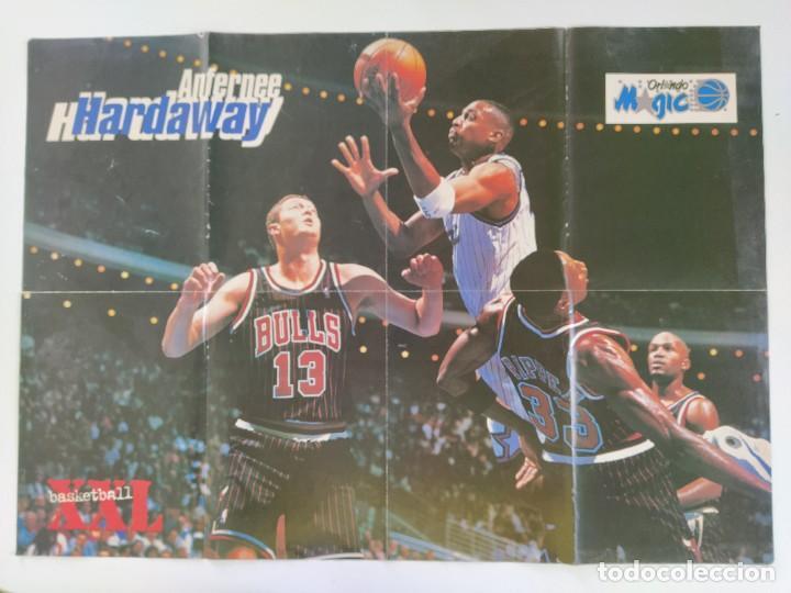 Coleccionismo deportivo: LOTE 13 PÓSTERS GIGANTES NBA AÑOS 90/00 (REVISTA XXL BASKET) - KOBE BRYANT, GARNETT, EWING, CARTER.. - Foto 3 - 190095851
