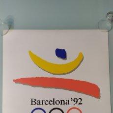 Coleccionismo deportivo: CARTEL OFICIAL DE BARCELONA 92 EDITADO POR EL COOB'92 AÑO 1988. TAMAÑO 70X50 DE JOSEP M. TRIAS.NUEVO. Lote 203879341