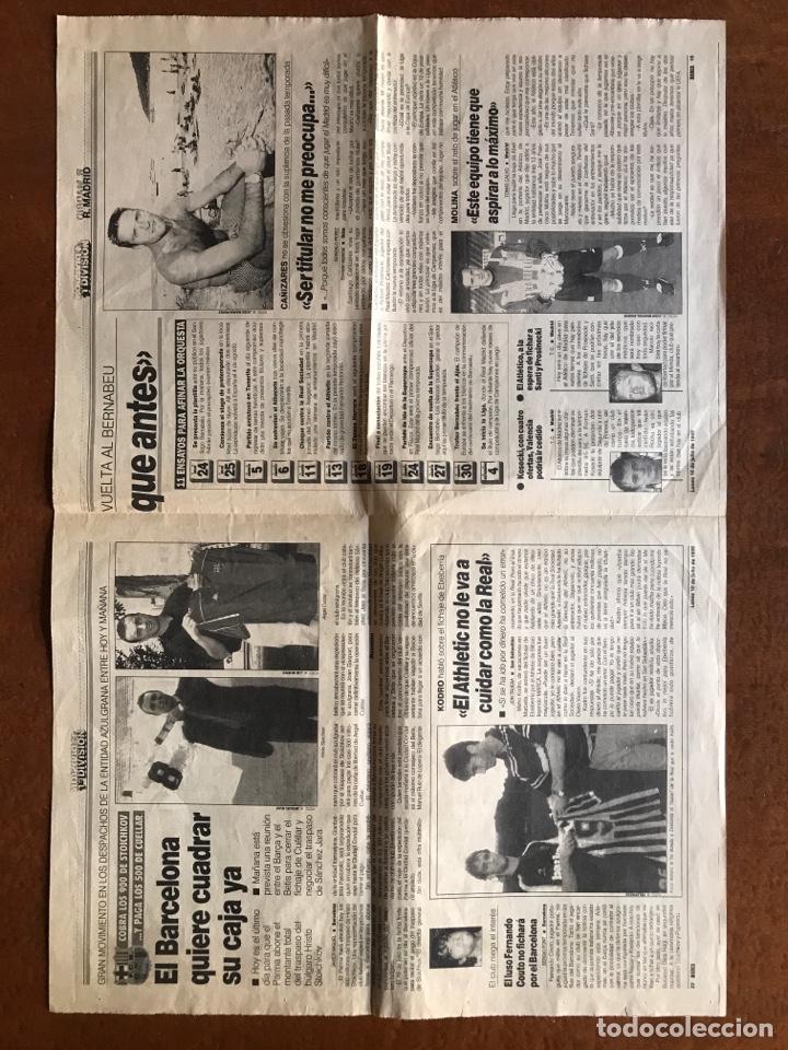 Coleccionismo deportivo: Envío 8€. Poster periodico MARCA, ¨¨Miguel Indurain rey de Francia¨ tour´ 95. mide 58x39cm. - Foto 4 - 213871351