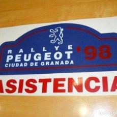 Coleccionismo deportivo: ADHESIVO RALLYE '98 PEUGEOT CIUDAD DE GRANADA ASISTENCIA PEGATINA GRAN FORMATO 34 X 20 CM.. Lote 224128545