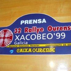 Coleccionismo deportivo: ADHESIVO 32 RALLYE OURENSE XACOBEO 99 PRENSA MEMORIAL E. REVERTER PEGATINA GRAN FORMATO 42 X 21CM.. Lote 243658505