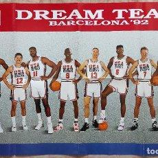 Coleccionismo deportivo: POSTER DREAM TEAM USA JJOO BARCELONA 92 BALONCESTO REVISTA OFICIAL NBA 1992 JORDAN BIRD MAGIC. Lote 240379975